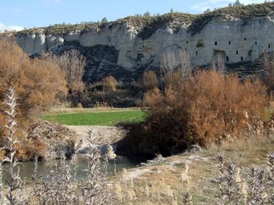 Cuevas antiguas junto al río Guardal, Höhlen im Altiplano