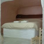 habitación doble en cueva, yeseras