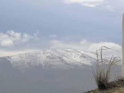 chimenea con monte nevado, ermitaño, cueva 6