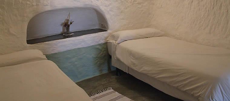 dormitorio 2 camas cueva 3, cave 3, Höhle 3, grotte 3